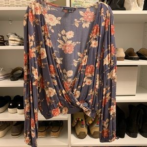 American Eagle plunging floral  top
